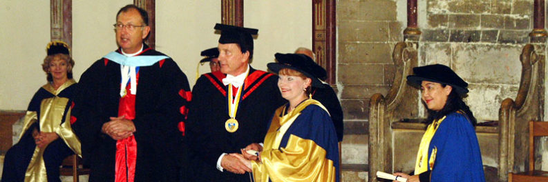 Dr Tracy Hillier graduating in 2005